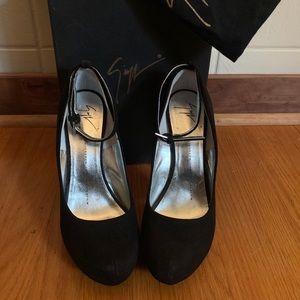 Brand new never worn Giuseppe Zanotti heels